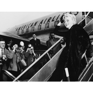 Marilyn Monroe, Boards Airplane, New York